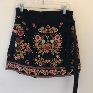 Multi colored black Zara mini skort
